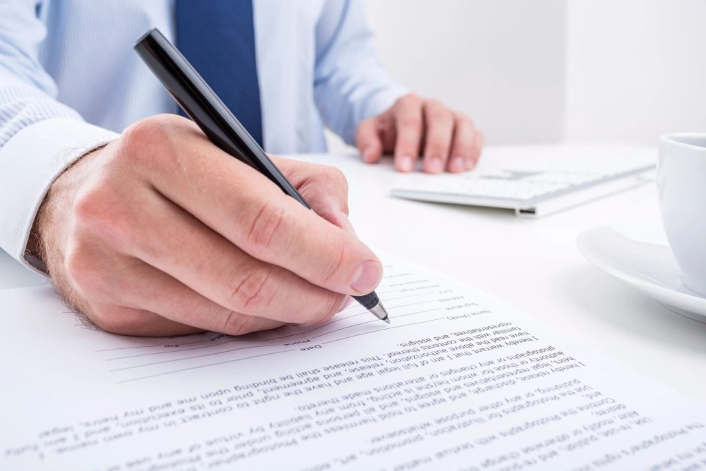 Drafting, reviewing and negotiating legal documents